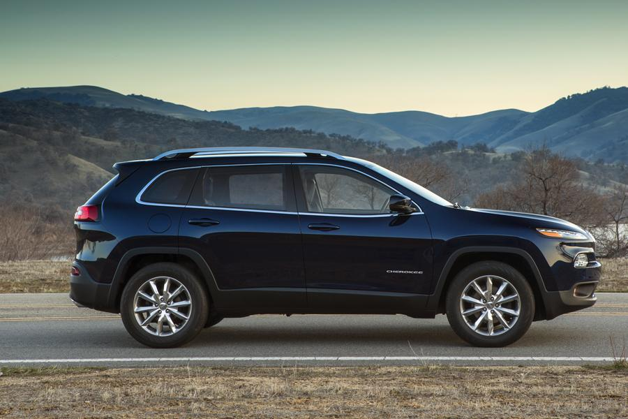 2014 jeep cherokee reviews specs and prices. Black Bedroom Furniture Sets. Home Design Ideas