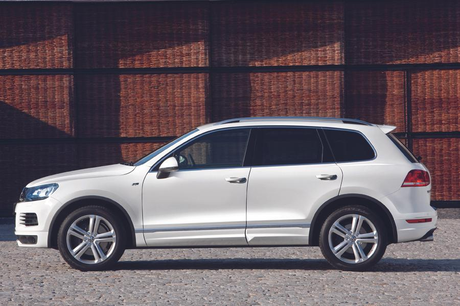 2013 volkswagen touareg reviews specs and prices. Black Bedroom Furniture Sets. Home Design Ideas