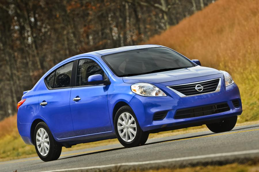 2013 nissan versa reviews specs and prices. Black Bedroom Furniture Sets. Home Design Ideas