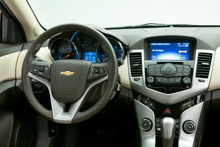 2014 chevrolet cruze reviews specs and prices. Black Bedroom Furniture Sets. Home Design Ideas