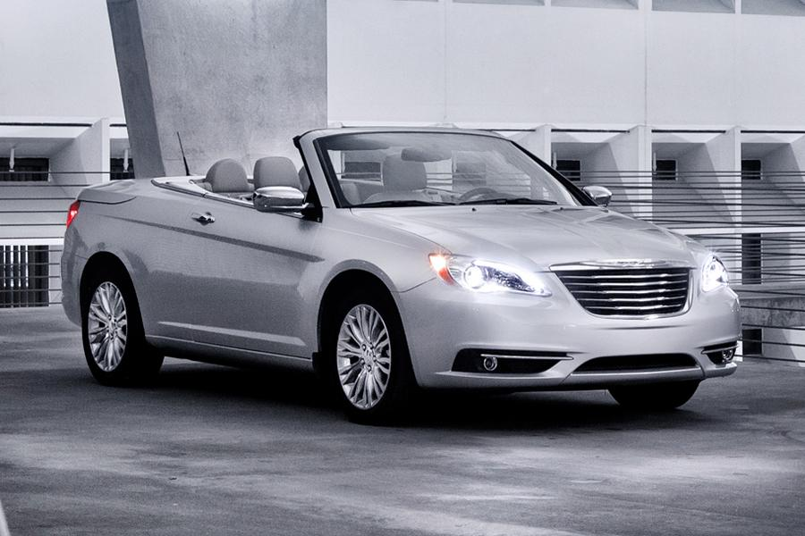 2014 Chrysler 200 Reviews Specs And Prices Cars Com