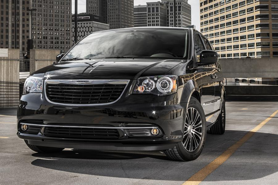 2014 chrysler town country reviews specs and prices. Black Bedroom Furniture Sets. Home Design Ideas