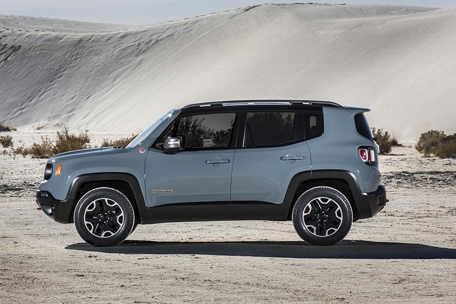 2015 jeep renegade reviews specs and prices. Black Bedroom Furniture Sets. Home Design Ideas