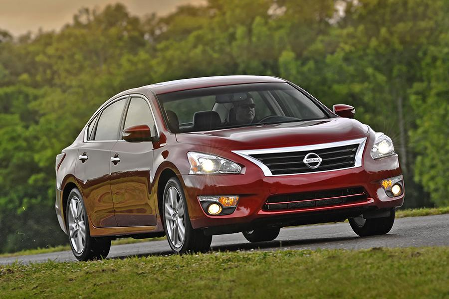 2014 Nissan Altima Reviews Specs And Prices Cars Com