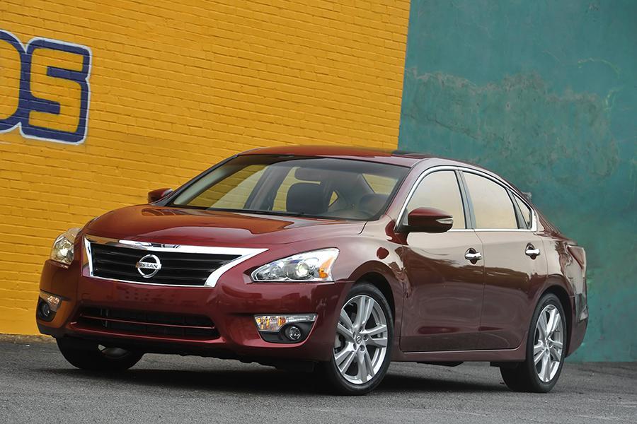 2014 Nissan Altima Reviews Specs And Prices Cars Com