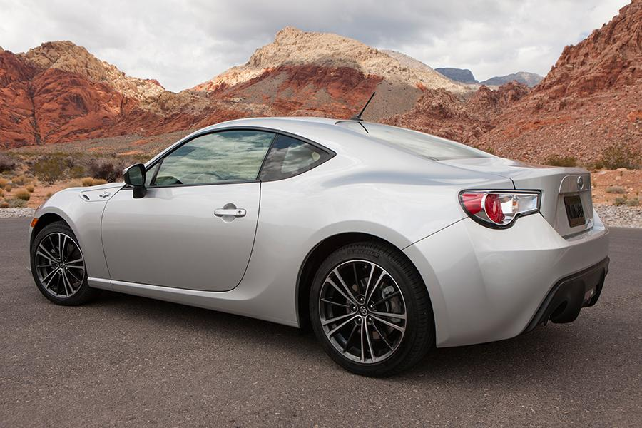 2014 Scion FR-S Reviews, Specs And Prices