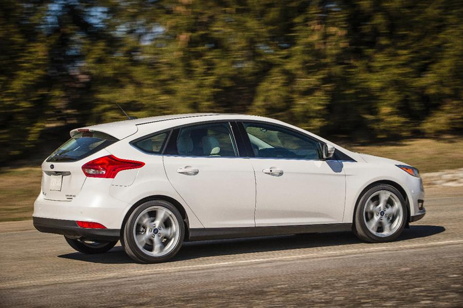 2015 ford focus reviews specs and prices. Black Bedroom Furniture Sets. Home Design Ideas