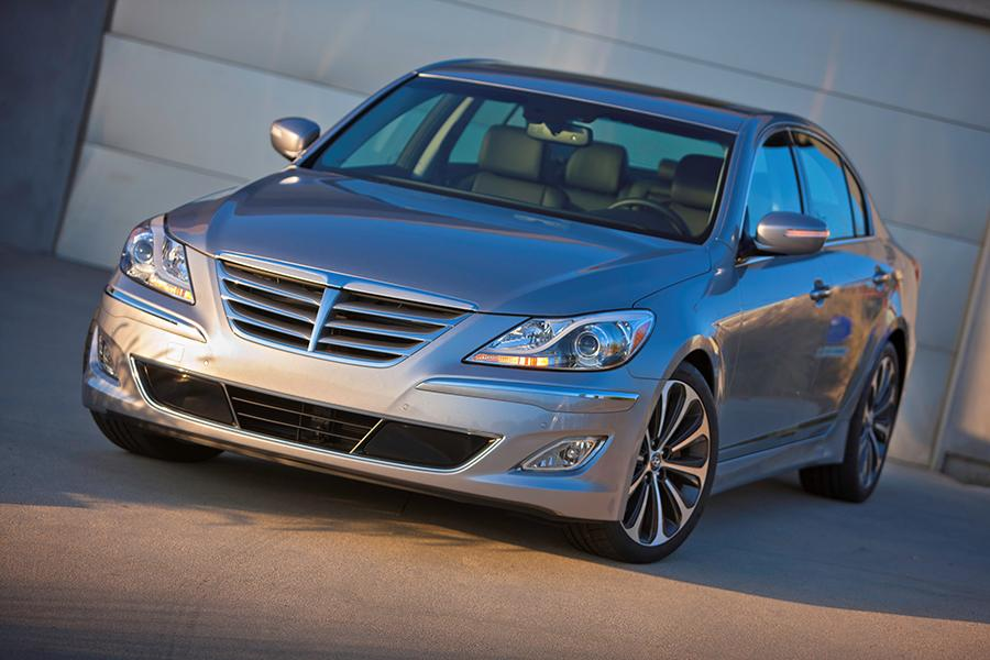 2014 hyundai genesis reviews specs and prices. Black Bedroom Furniture Sets. Home Design Ideas