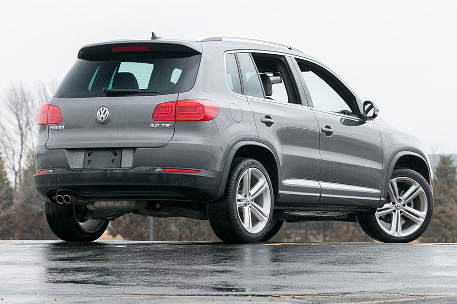 2014 volkswagen tiguan reviews specs and prices. Black Bedroom Furniture Sets. Home Design Ideas