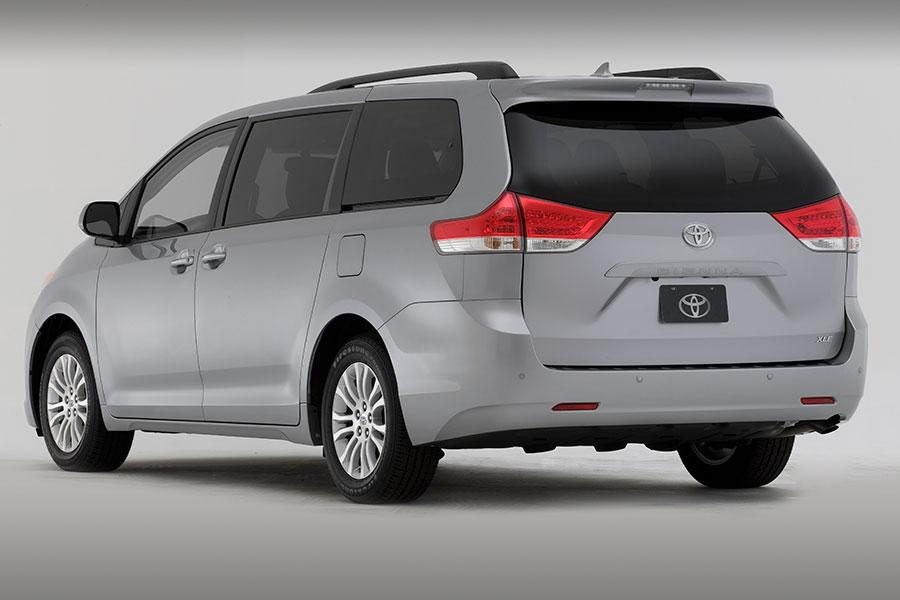 2014 Toyota Sienna Reviews Specs And Prices Cars Com