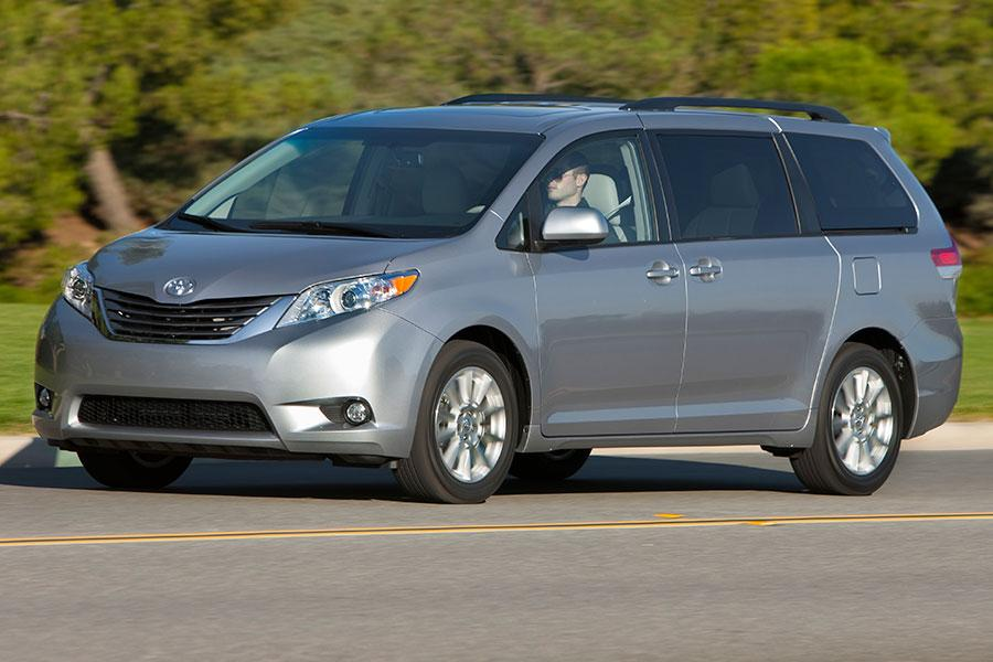 2014 toyota sienna reviews specs and prices. Black Bedroom Furniture Sets. Home Design Ideas