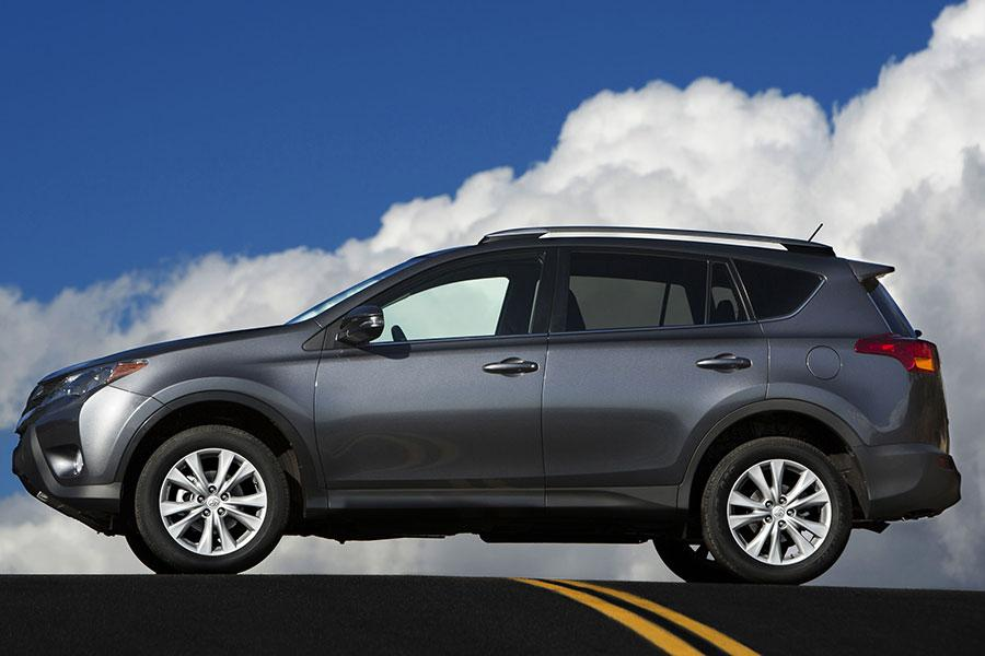 2014 toyota rav4 specs pictures trims colors. Black Bedroom Furniture Sets. Home Design Ideas