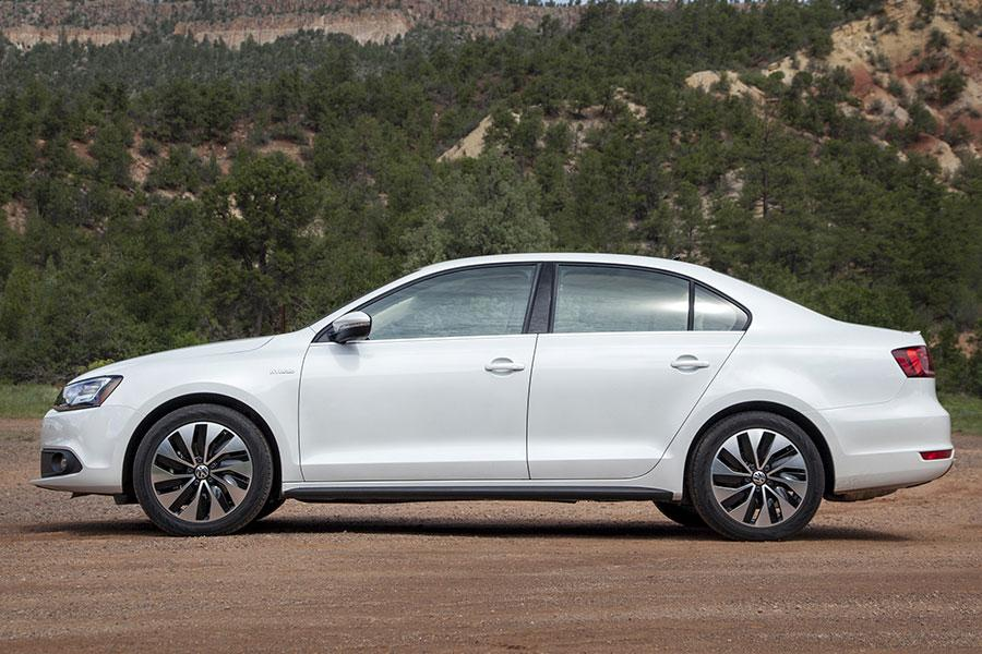 2014 volkswagen jetta hybrid reviews specs and prices. Black Bedroom Furniture Sets. Home Design Ideas