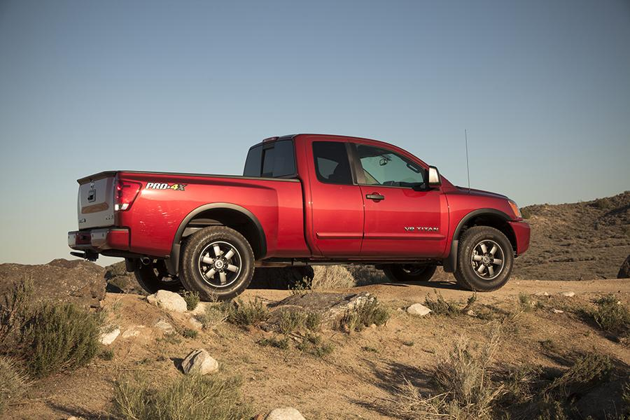 2014 nissan titan reviews specs and prices. Black Bedroom Furniture Sets. Home Design Ideas