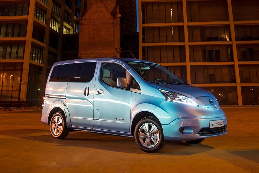 2014 nissan nv200 reviews specs and prices. Black Bedroom Furniture Sets. Home Design Ideas