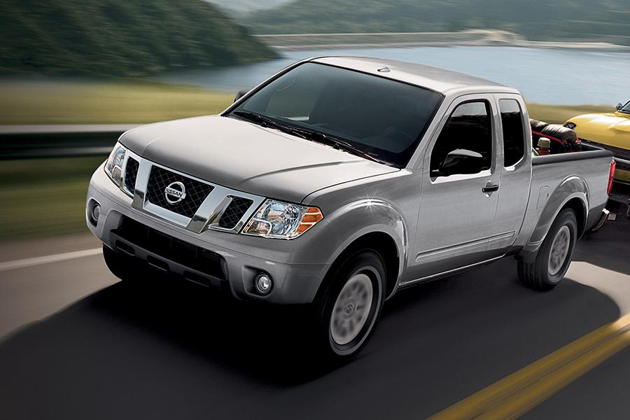 2014 nissan frontier reviews specs and prices. Black Bedroom Furniture Sets. Home Design Ideas