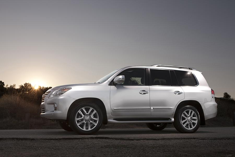 2014 lexus lx 570 reviews specs and prices. Black Bedroom Furniture Sets. Home Design Ideas