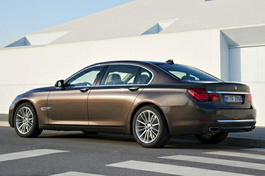 2014 Bmw 740 Reviews Specs And Prices Cars Com