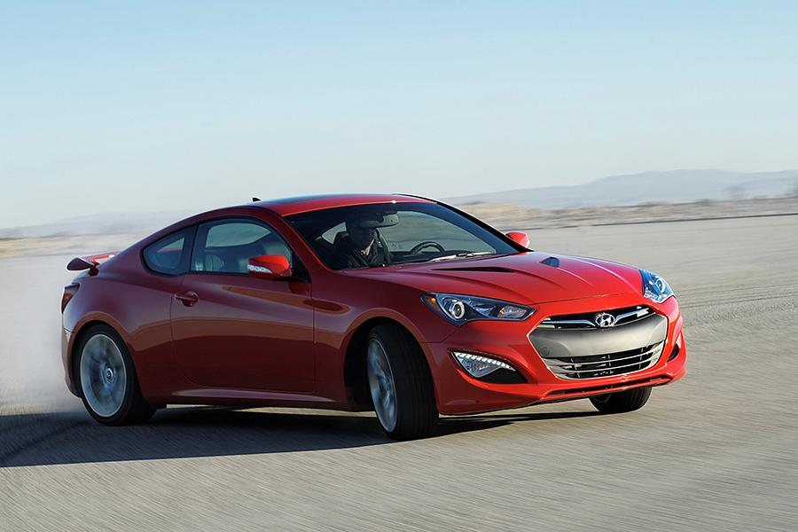 2015 hyundai genesis coupe reviews specs and prices. Black Bedroom Furniture Sets. Home Design Ideas