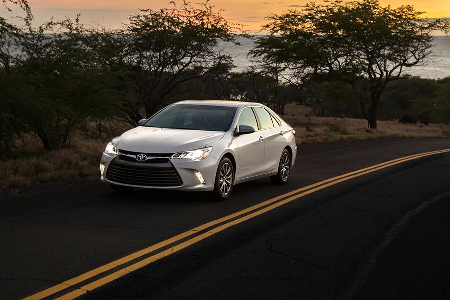 2015 toyota camry reviews specs and prices. Black Bedroom Furniture Sets. Home Design Ideas