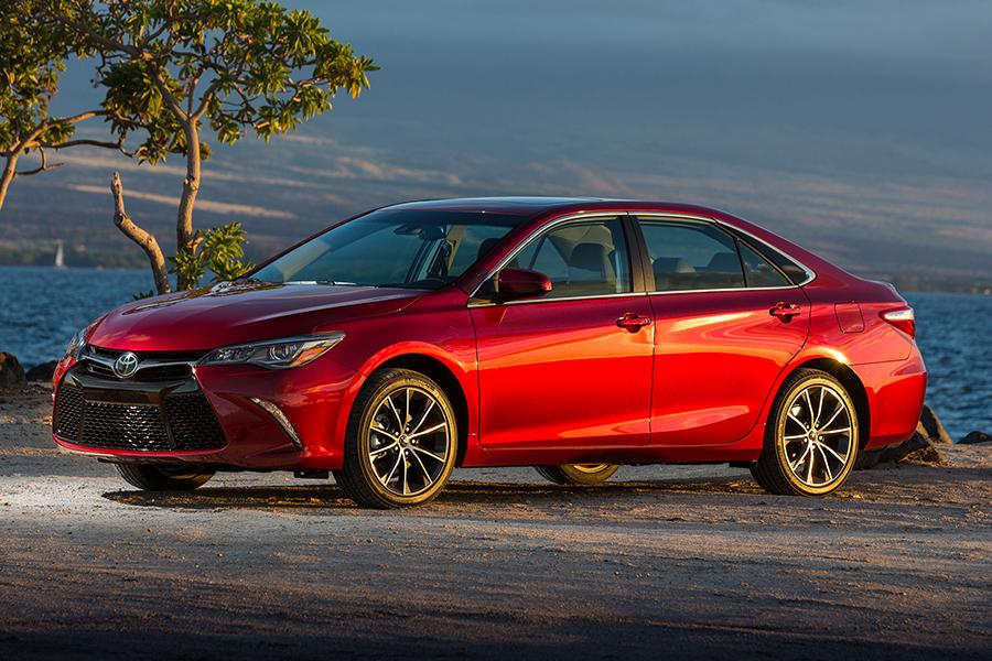 2015 Toyota Camry Reviews Specs And Prices Cars Com