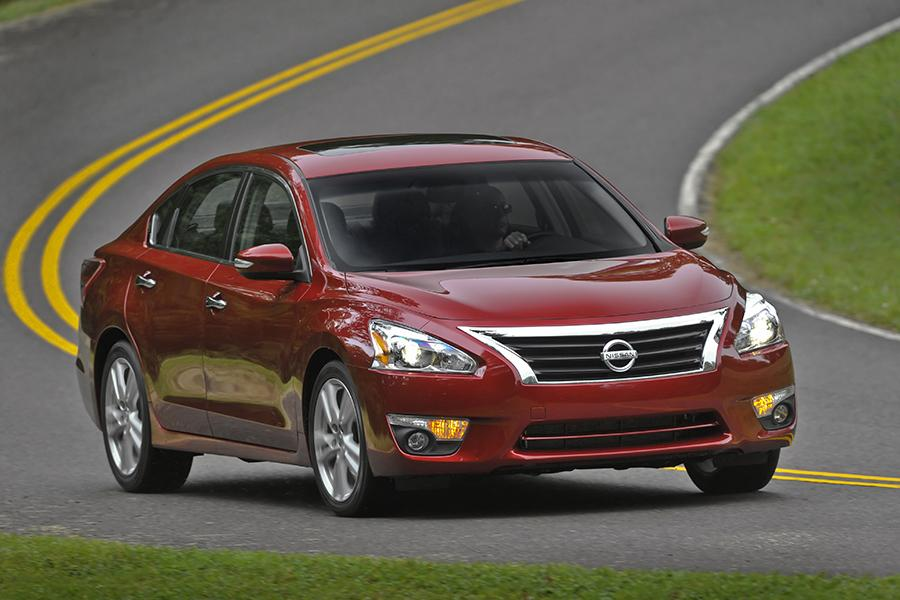 2015 nissan altima reviews specs and prices. Black Bedroom Furniture Sets. Home Design Ideas