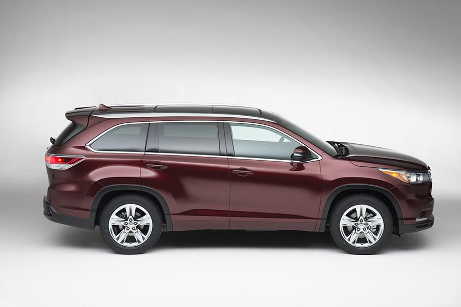 2015 toyota highlander reviews specs and prices. Black Bedroom Furniture Sets. Home Design Ideas