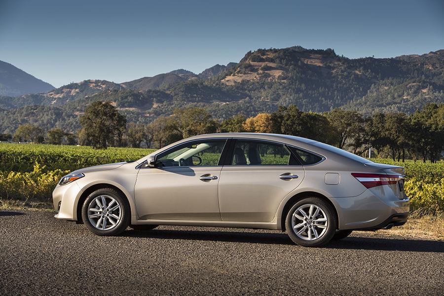 2015 Toyota Avalon Reviews Specs And Prices Cars Com