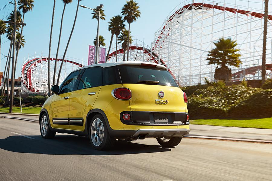 2015 fiat 500l reviews specs and prices. Black Bedroom Furniture Sets. Home Design Ideas