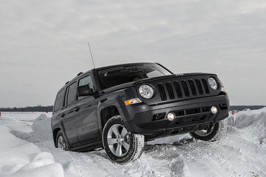 2015 jeep patriot reviews specs and prices. Black Bedroom Furniture Sets. Home Design Ideas