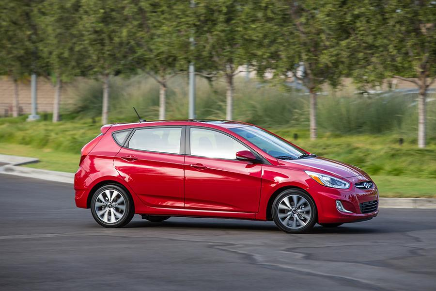 2015 hyundai accent reviews specs and prices. Black Bedroom Furniture Sets. Home Design Ideas
