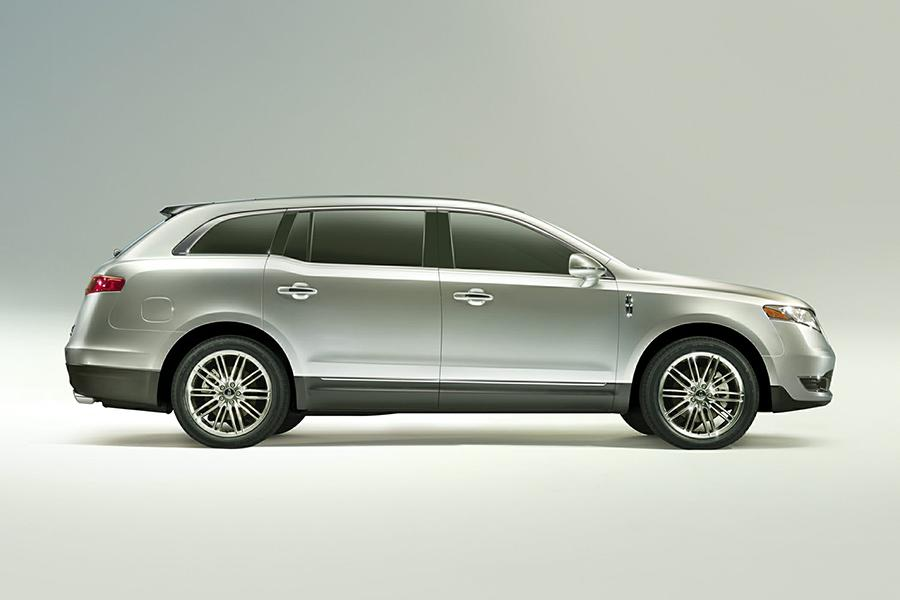 2015 lincoln mkt reviews specs and prices. Black Bedroom Furniture Sets. Home Design Ideas