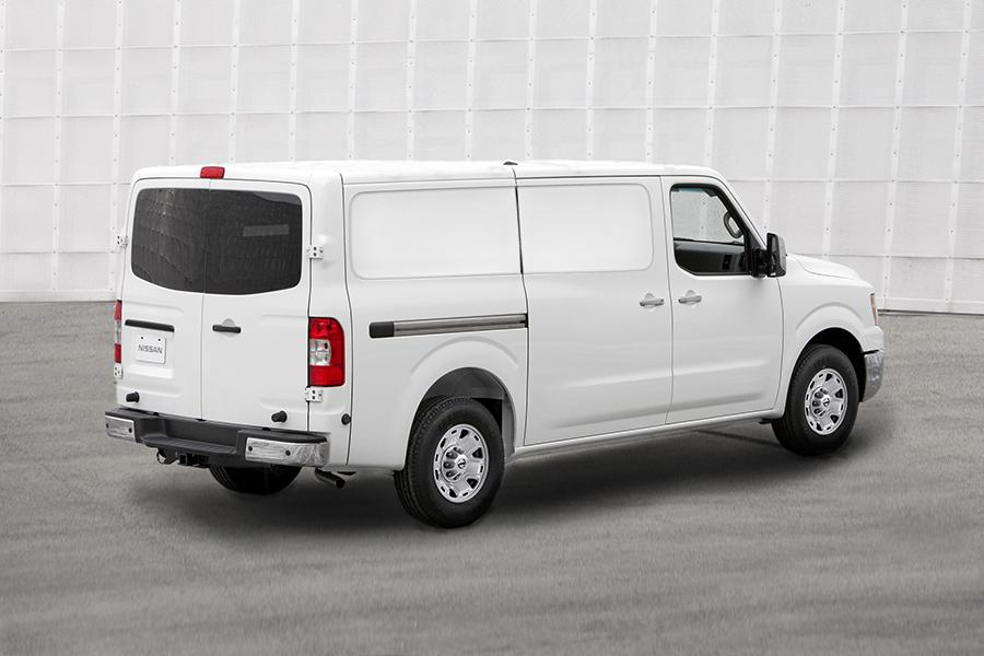 Nissan Nv3500 Mpg >> 2015 Nissan NV Cargo NV3500 HD Reviews, Specs and Prices ...