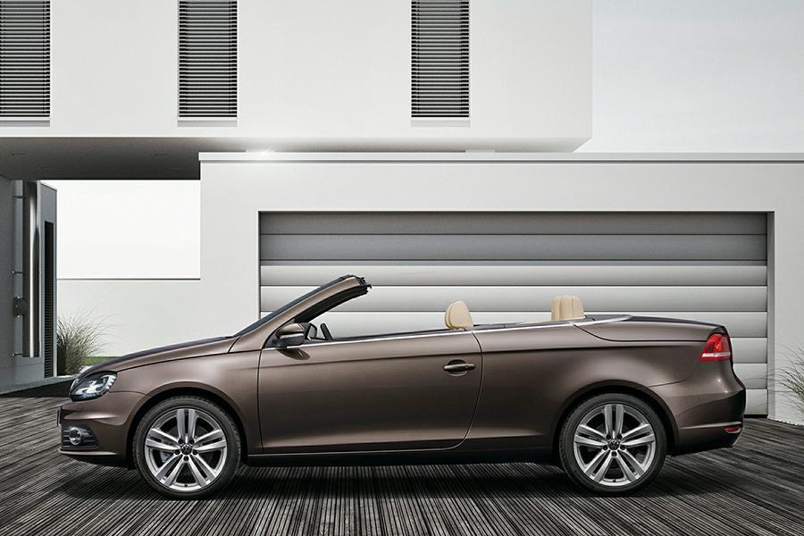 volkswagen eos reviews specs  prices carscom