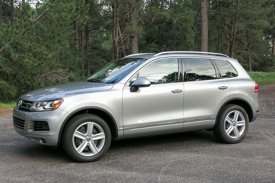 2015 volkswagen touareg hybrid reviews specs and prices. Black Bedroom Furniture Sets. Home Design Ideas