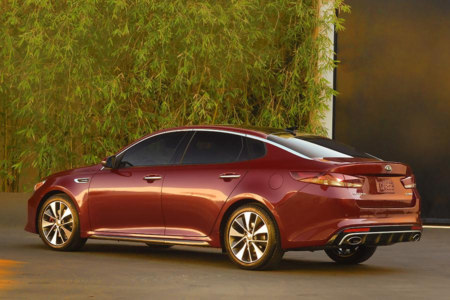 2016 kia optima reviews specs and prices. Black Bedroom Furniture Sets. Home Design Ideas