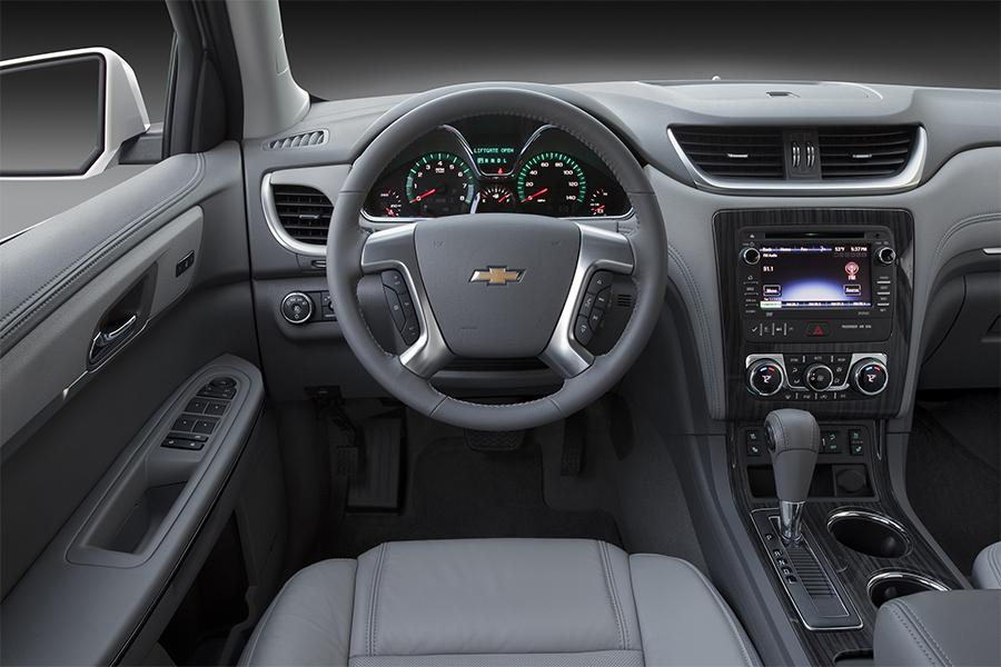 2016 chevrolet traverse reviews specs and prices. Black Bedroom Furniture Sets. Home Design Ideas