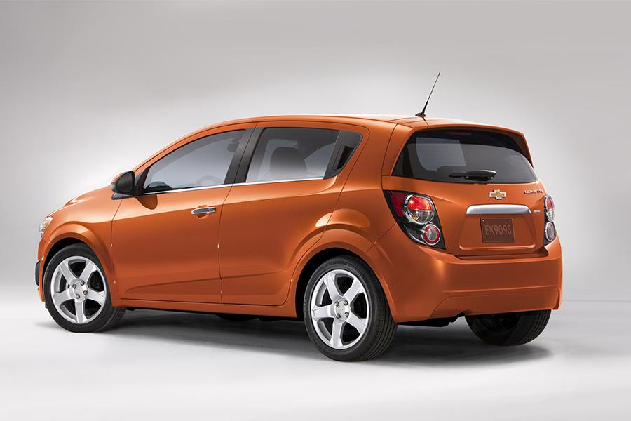 Chevy Sonic Specs >> 2016 Chevrolet Sonic Specs, Pictures, Trims, Colors || Cars.com