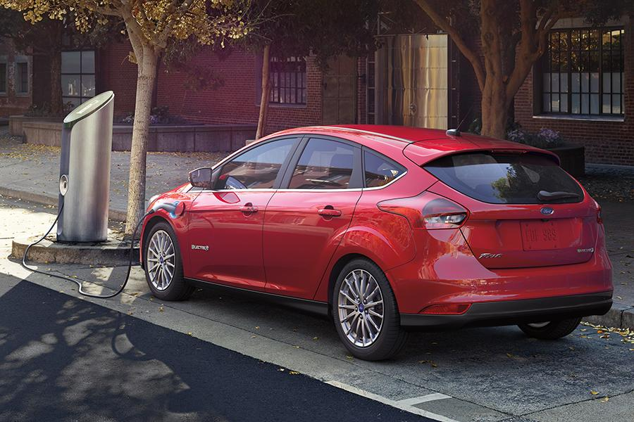 2016 ford focus electric reviews specs and prices. Black Bedroom Furniture Sets. Home Design Ideas