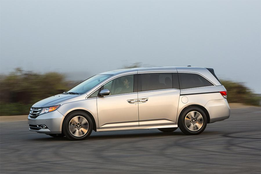 2016 honda odyssey reviews specs and prices. Black Bedroom Furniture Sets. Home Design Ideas