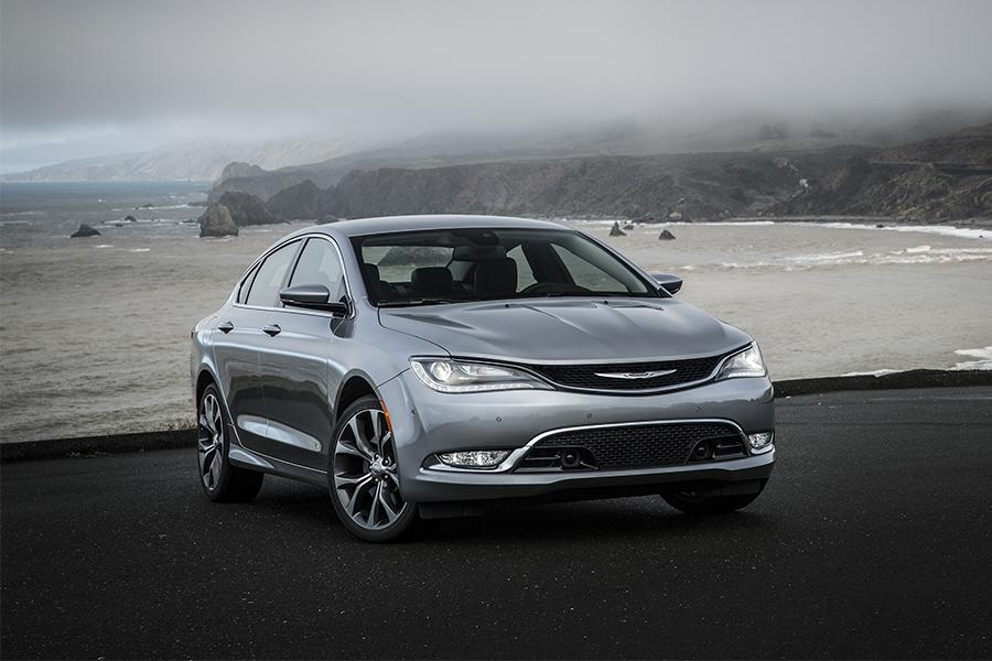 2016 chrysler 200 reviews specs and prices. Black Bedroom Furniture Sets. Home Design Ideas