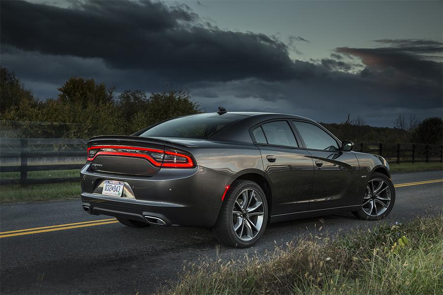 2016 dodge charger reviews specs and prices. Black Bedroom Furniture Sets. Home Design Ideas