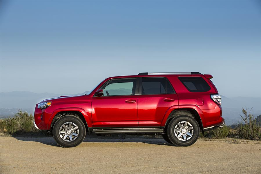 2016 toyota 4runner reviews specs and prices. Black Bedroom Furniture Sets. Home Design Ideas