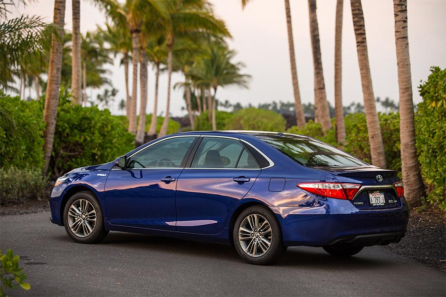 toyota camry hybrid reviews specs and prices. Black Bedroom Furniture Sets. Home Design Ideas