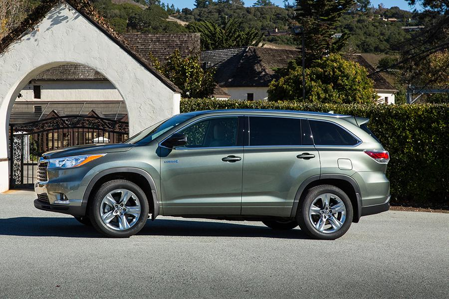 2016 toyota highlander hybrid reviews specs and prices. Black Bedroom Furniture Sets. Home Design Ideas