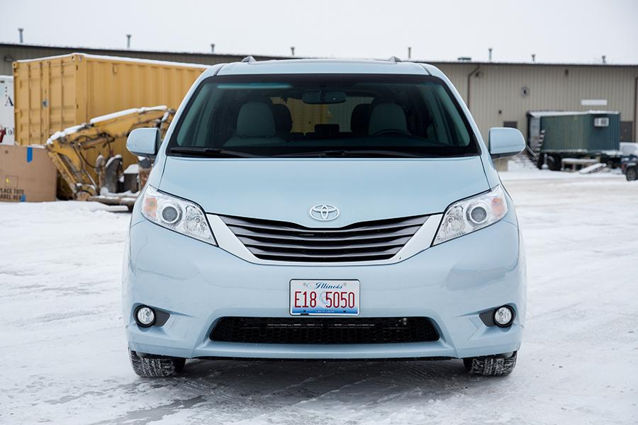 2016 toyota sienna reviews specs and prices. Black Bedroom Furniture Sets. Home Design Ideas