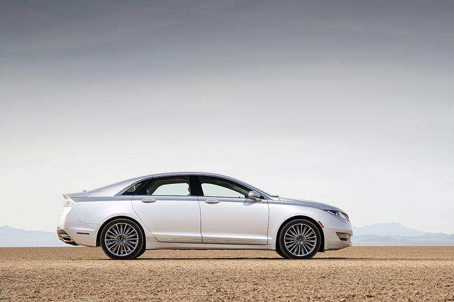 2017 lincoln mkz hybrid reviews specs and prices. Black Bedroom Furniture Sets. Home Design Ideas