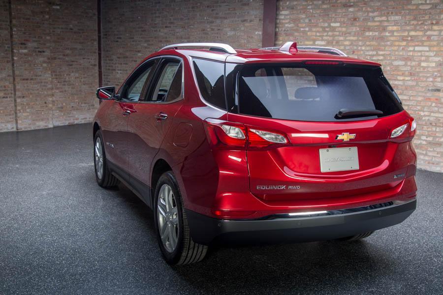 2018 Chevrolet Equinox Reviews Specs And Prices Cars Com