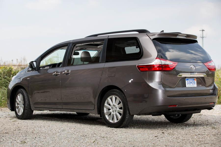 2017 Toyota Sienna Reviews Specs And Prices Cars Com