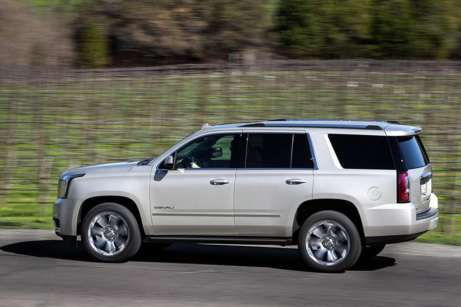 2017 GMC Yukon Specs, Pictures, Trims, Colors || Cars.com